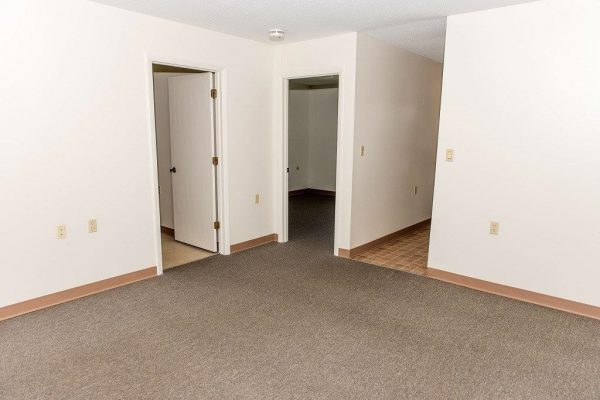 1 bedroom 600 square foot apartments